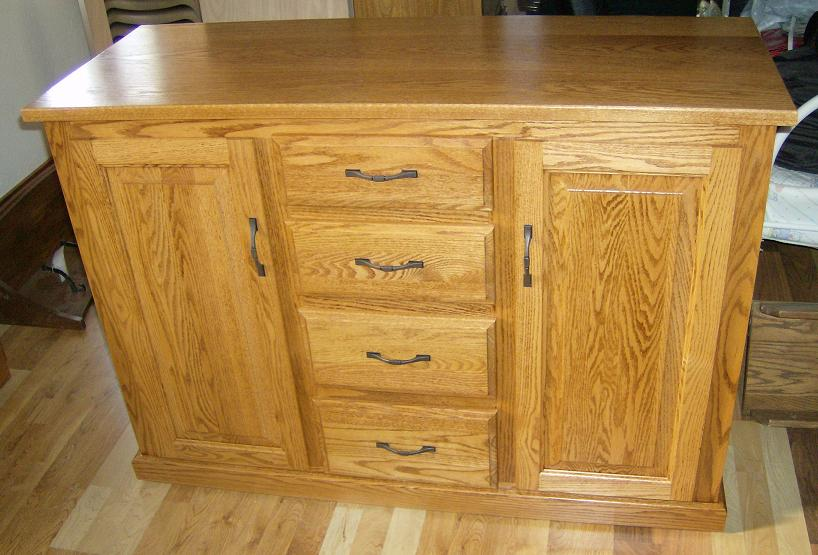 Jake 39 s amish furniture bw 101 a kitchen island with drawers down the center - Space saving movable kitchen island get efficient kitchen traffic ...